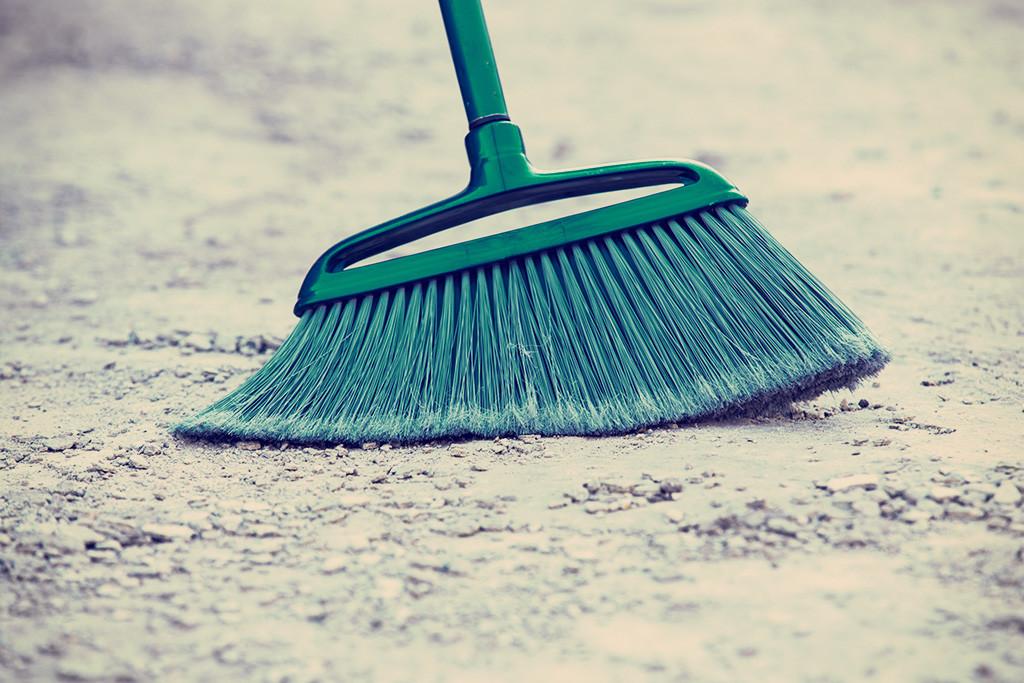 アパート横の道路は誰が掃除をするのか?