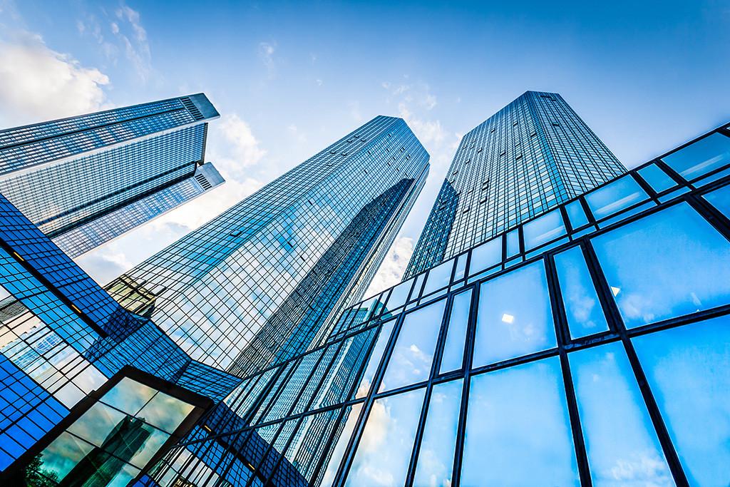 商業用ビルなどの大規模な賃貸業をメインに