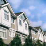 原因は節税アパート? 16年は個人向け融資が2割増